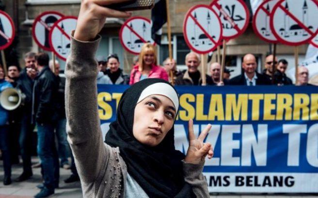 muslim_protest-large_transeo_i_u9apj8ruoebjoaht0k9u7hhrjvuo-zlengruma